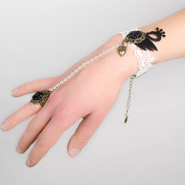 Bracelet-bague dentelle et cygne