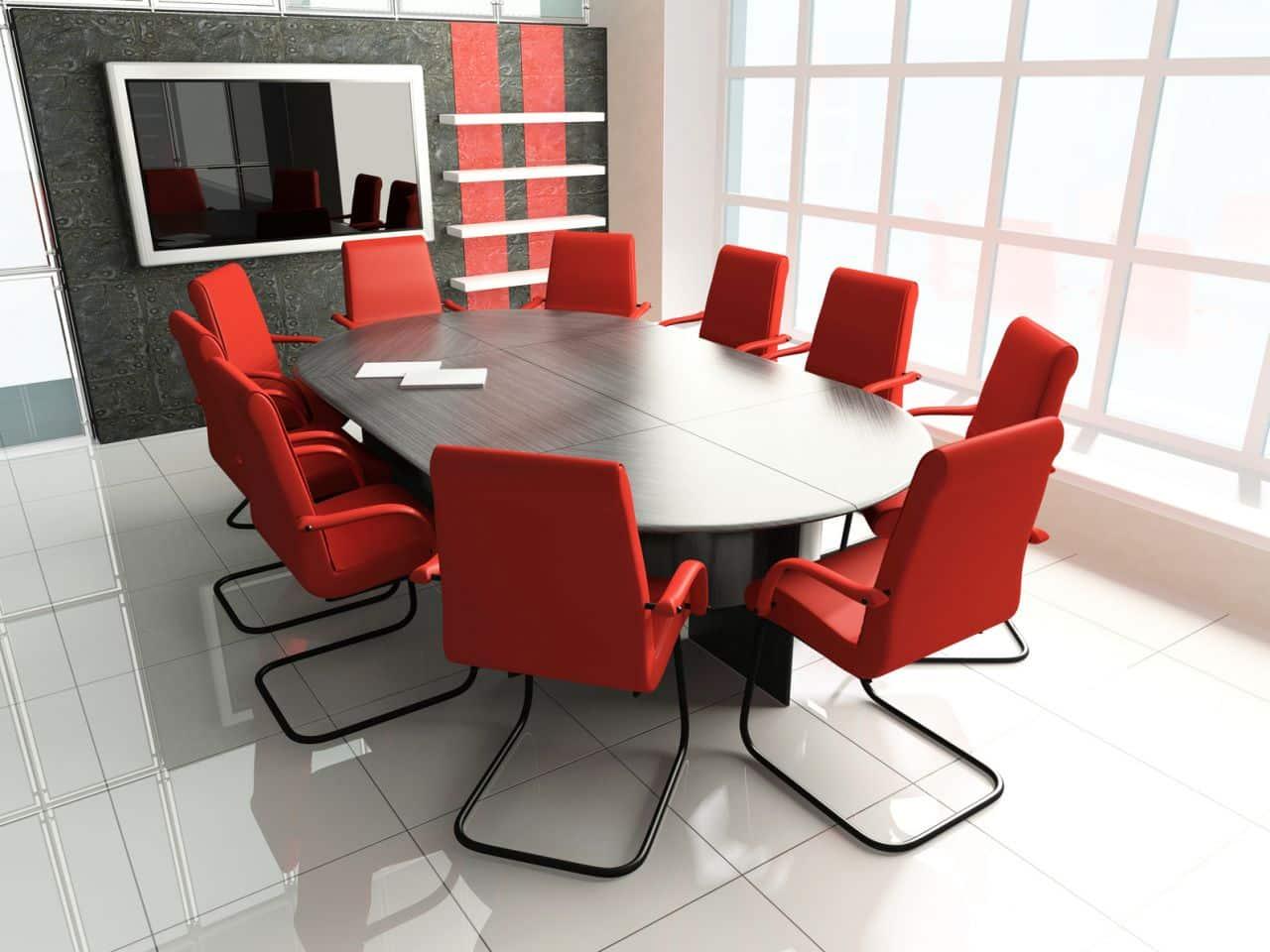 Une salle de réunion avec vidéo-conférence