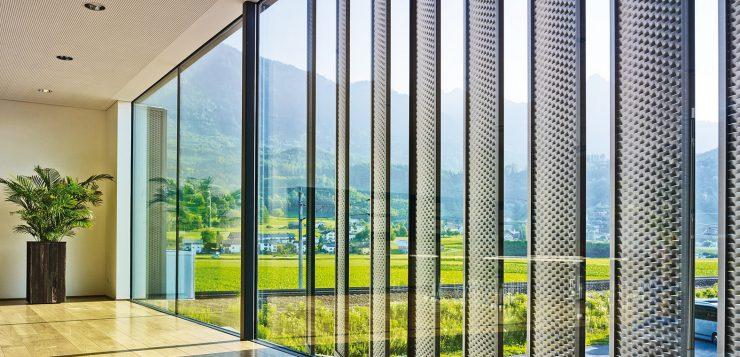 Pourquoi les brise-soleils deviennent indispensables dans bâtiments ?