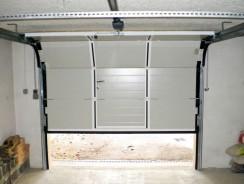 La porte de garage électronique, une tendance ou une norme